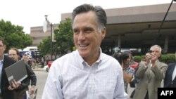 Cựu Thống Đốc bang Massachusetts Mitt Romney