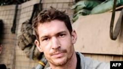 Tim Xezerington, jurnalist, fotograf va rejissyor