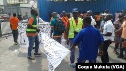 Sindicatos angolanos rejeitam projectos de lei sindical e de greve - 3:12