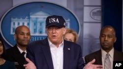 美國總統特朗普在14日的記者會上說,他接受了新冠病毒的測試。
