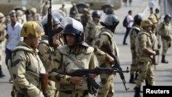 Mesir memberlakukan jam malam tiga bulan lalu semasa sejak penumpasan berdarah terhadap para penentang militer (foto: dok).
