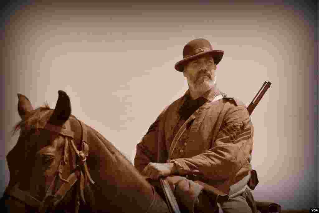 Командир эскадрона армии конфедератов. Отступаем