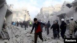 Pasukan pemerintah Suriah terus membombardir kota Aleppo untuk hari keempat berturut-turut hari Rabu (18/12).