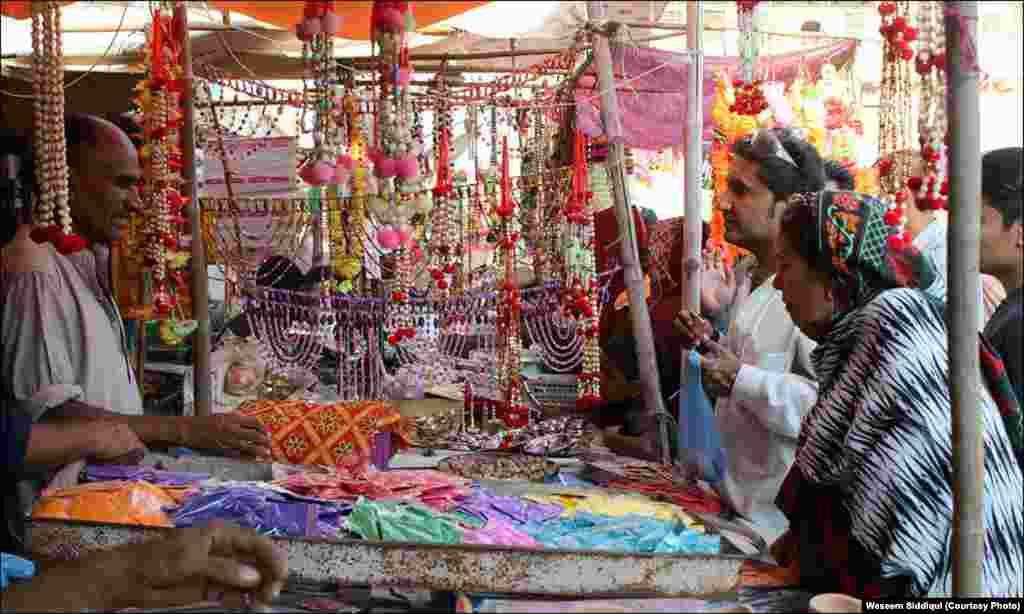 دیوالی کی خریداری کا ایک منظر