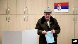 Glasanje na lokalnim izborima u Beogradu 4. marta, Foto: AP