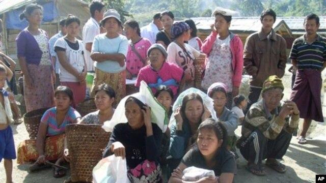 Pertempuran antara militer Burma dengan Laskar Kemerdekaan Kachin (KIA) mengakibatkan lebih dari 800.000 orang desa kehilangan tempat tinggal, kebanyakan tinggal di kamp-kamp sementara serta gereja, dan hidupnya tergantung pada bantuan (foto: Dok).
