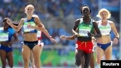 Francine Niyonsaba wiruka metero 800