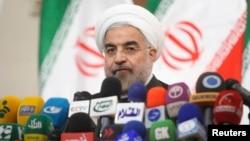 지난 6월 테헤란에서 하산 로하니 이란 대통령이 기자회견을 갖고있다. (자료사진)