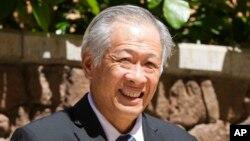 စကၤာပူ ကာကြယ္ေရး၀န္ႀကီး Dr.Ng Eng Hen