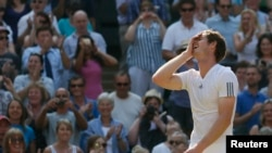 Andy Murray a facilement dominé Nicolas Mahut mercredi (Reuters)
