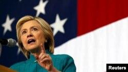 Bakal calon presiden dari Partai Demokrat AS, Hillary Clinton di Des Moines, Iowa (14/6).