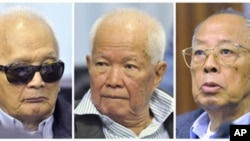 FILE - Former Khmer Rouge second-in-command Nuon Chea, former President Khieu Samphan and former Foreign Minister Ieng Sary (L-R) attend their trial at the Extraordinary Chambers in the Courts of Cambodia (ECCC), Nov. 21, 2011.