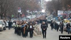 Povorka u Kosovskoj Mitrovici kojom je ispraćen Oliver Ivanović