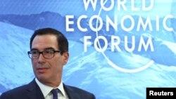 美国财政部长姆努钦在瑞士达沃斯出席世界经济论坛年度会议。(2020年1月22日)