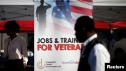 Hội chợ việc làm cho cựu chiến binh ở Carson, California, 3/10/2014.