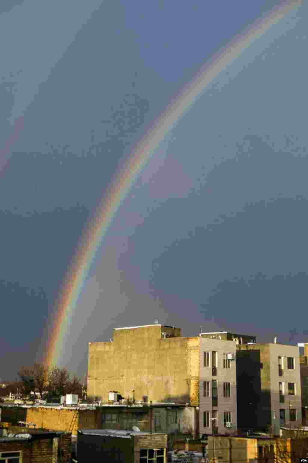 رنگین کمان در آسمان قزوین عکس: اسماعیل قاجار (ارسالی شما)