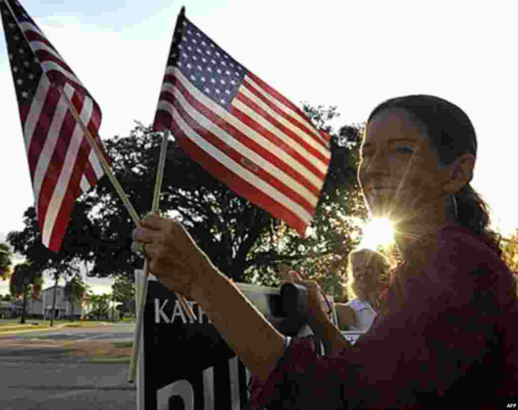 City Coucil candidate Kathleen Burson is seen outside a voting station in Titusville, Florida November 2, 2010 as voters cast ballots in a midterm election that many predict will be transformational across the state and across the country. (AFP Photo / T