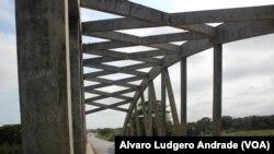 Pontes, Angola
