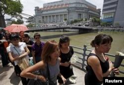 Người dân Singapore xếp hàng đến viếng cố Thủ tướng Lý Quang Diệu.