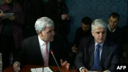 Shqipëri, zgjidhja e ngërçit politik ende e largët