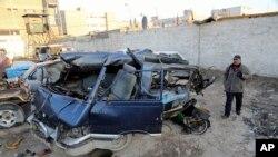 Serangan bom mobil di Baghdad, Irak, Senin (16/12).