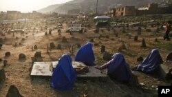 د بشري حقونو خپلواک کمیسیون وايي په تېرو دریو میاشتو کې له افغان ښځو سره د زورزیاتي ۱۵۰۰ پېښې ثبت کړي دي.