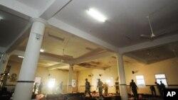 Органи безпеки перевіряють пошкоджену мечеть