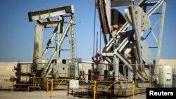 YPF y Chevron formaron una sociedad para la explotación de petróleo no convencional en un área de Vaca Muerta, en la provincia de Neuquén.