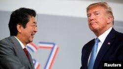 8月25日特朗普在7國集團峰會間隙會見了日本首相安倍晉三。