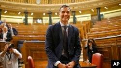 Le leader socialiste Pedro Sanchez, au Parlement de Madrid, le 1er juin 2018.