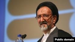 محمود دعایی مدیر مسئول روزنامه اطلاعات - آرشیو