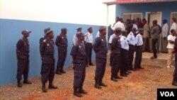 Polícia combate analfabetismo na corporação em Malanje - 2:16