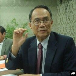 台湾民主基金会资深研究员高英茂