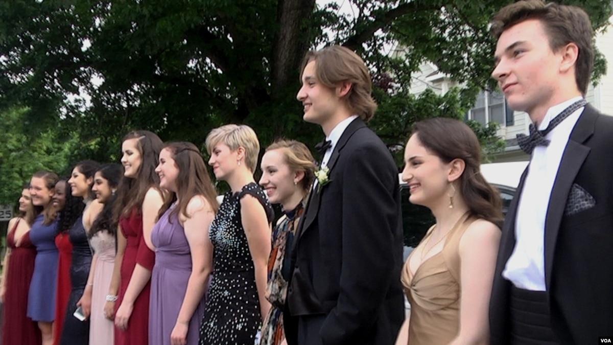 63dd0fb52b3 Prom  An American Tradition