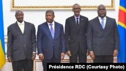 (G ti D) Ba présidents Yoweri Museveni ya Ouganda, Joao Lourenço ya Angola, Paul Kagame ya Rwanda mpe Felix Tshisekedi ya RDC, na bokutani na Luanda, Angola, 12 juillet 2019. (Présidence ya RDC)