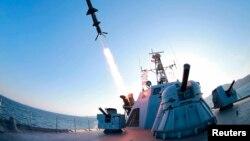 Teste de missil norte-coreano.