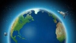 احمدی نژاد: ايران ماهواره های بزرگتری به فضا می فرستد