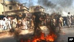 کراچی ہلاکتوں میں اضافہ کشیدگی بدستور موجود