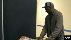 Kutije sa namirnicama za praznični obrok na Dan zahvalnosti