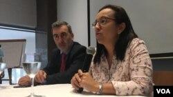 """La periodista y expresa política Lucía Pineda dijo a la Voz de América que desde su corazón """"perdona"""" a los que en el gobierno de Daniel Ortega la pusieron tras las rejas durante unos seis meses, pero indicó que seguirá """"denunciando"""" lo que ocurre en el país."""