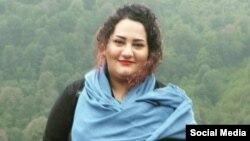 آتنا دائمی پیش از این گفته بود که مخالفت با حجاب اجباری و انتشار عکس بدون حجاب در صدور حکمش موثر بوده است