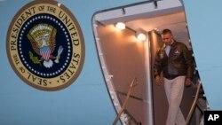 اوباما برای ارج گزاری به خدمات سربازان امریکایی به افغانستان رفته است