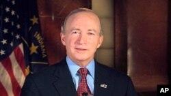 美國印第安納州州長的共和黨人米奇.丹尼爾斯