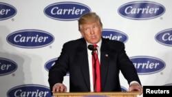 "Predsednik Donald Tramp u kompaniji ""Carrier"" u Indijani, decembar 2016."
