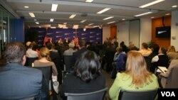 美国进步中心举行中国与非洲研讨会(美国之音钟辰芳拍摄)