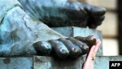 «Խելացի մատ»՝ ոտնամատերի մրճաձև ծալվելուց տառապողների համար