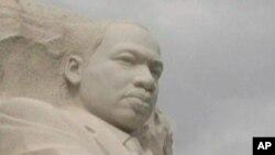 نمایی از تندیس یادبود مارتین لوترکینگ در پایتخت آمریکا