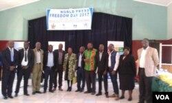 Intathelizindaba ezinanze ilanga leWorld Press Freedom Day.