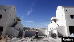 12月2日一巴勒斯坦劳工在耶路撒冷附近西岸犹太人定居点建筑工地操作
