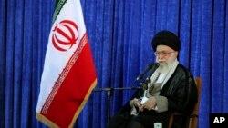 아야톨라 알리 하메네이 이란 최고지도자가 3일 연설하는 모습을 공식 웹사이트에 공개했다.